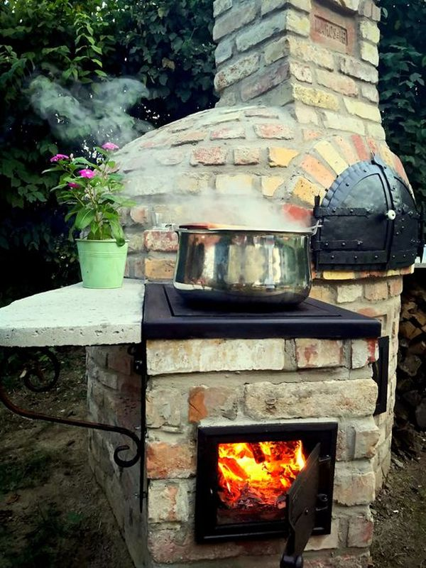 Oven with sparrel in the garden